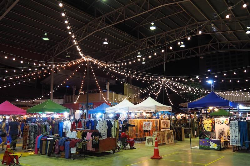 compras en chiang mai : El Night Bazar