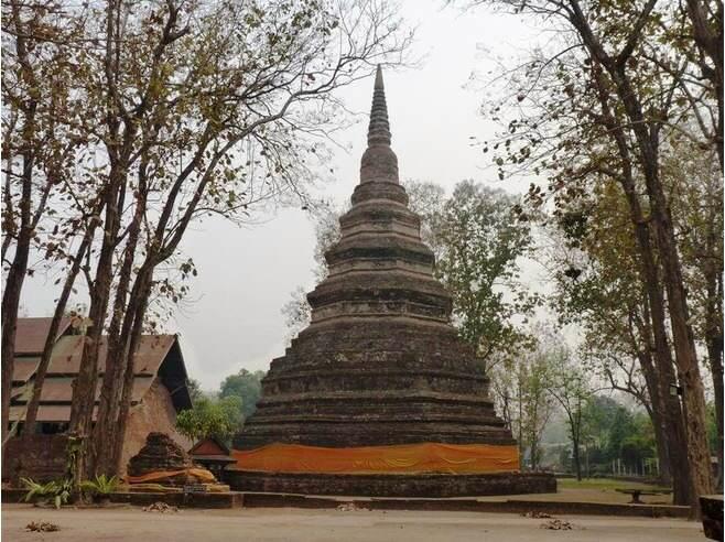 Templo de Wat Chedi Luang en Chiang Saen