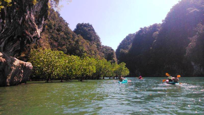 Kayaking en Ao Thalane