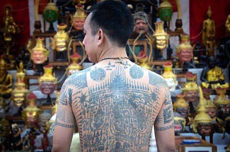 Cómo se hacen los tatuajes tailandeses