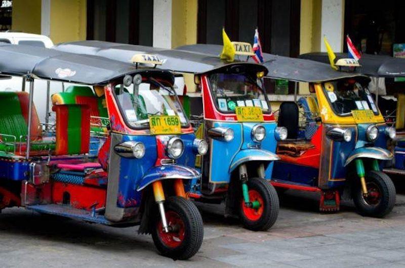 tuk tuk medio transporte Tailandia