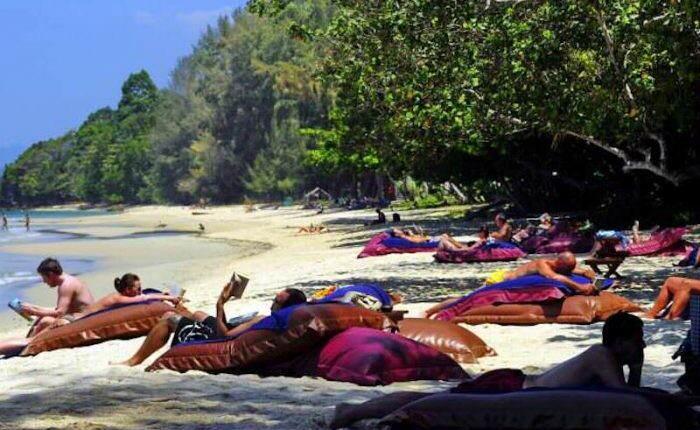 reglas etiqueta playas Tailandia