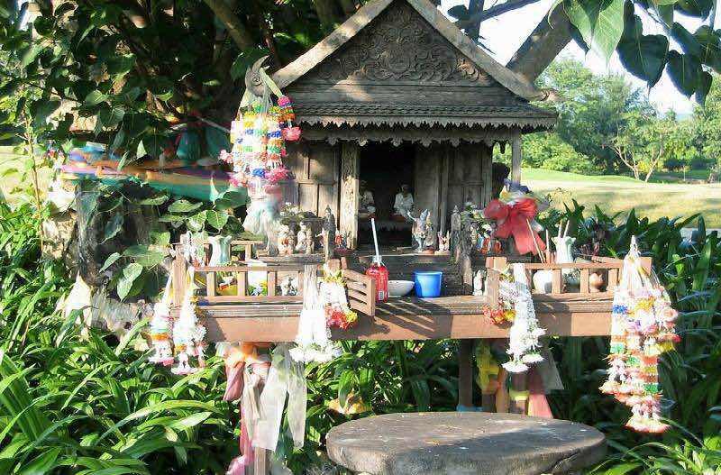 Casas espiritus Tailandia