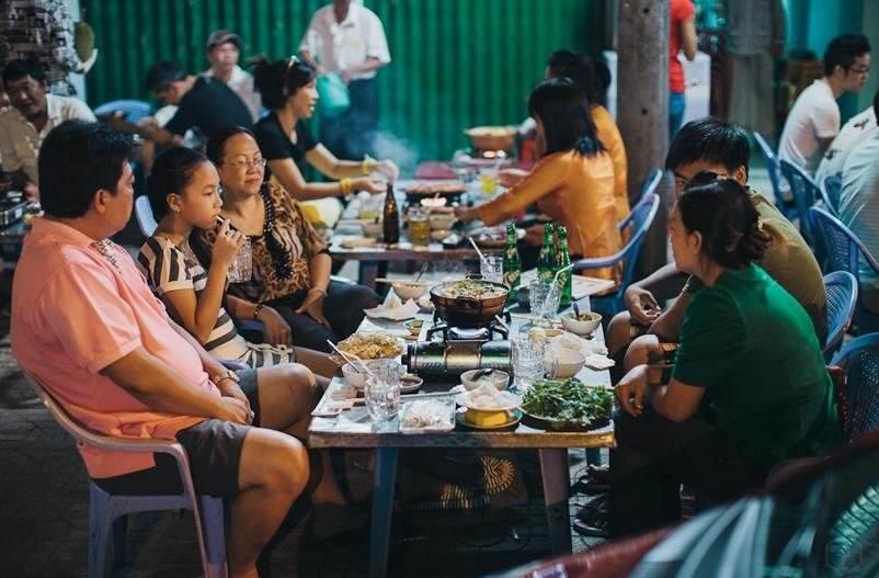 Puestos de comida callejera en Ho Chi Minh