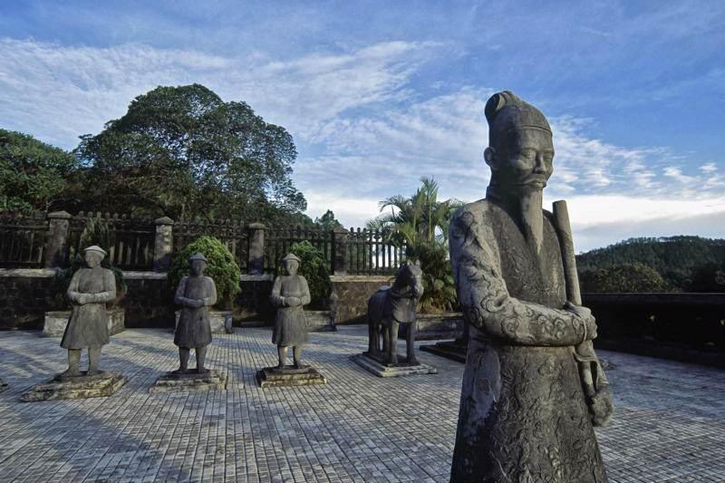 Las tumbas imperoiales ed Hue imprescindible ver en Vietnam