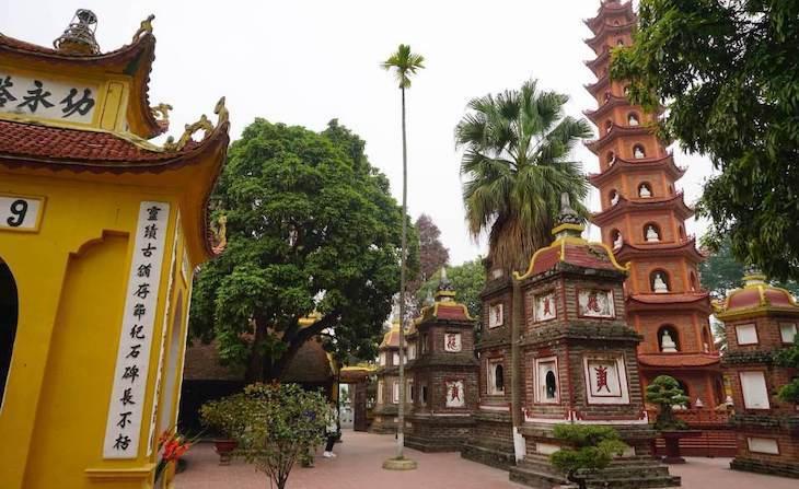 Hanoi pagoda de Tram Quoc