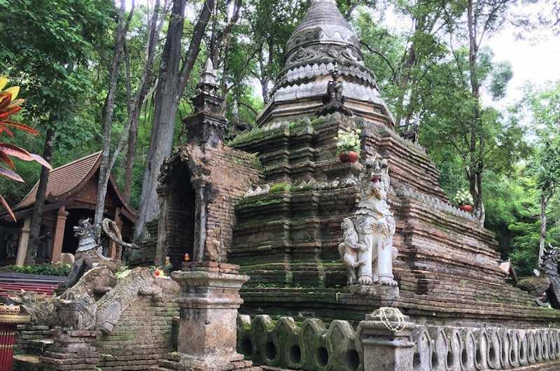 SANTUARIO DE ELEFANTES Y TEMPLOS DE CHIANG MAI : Wat Palad