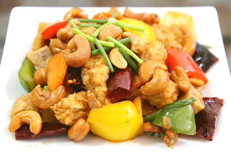 Pollo frito con anacardo