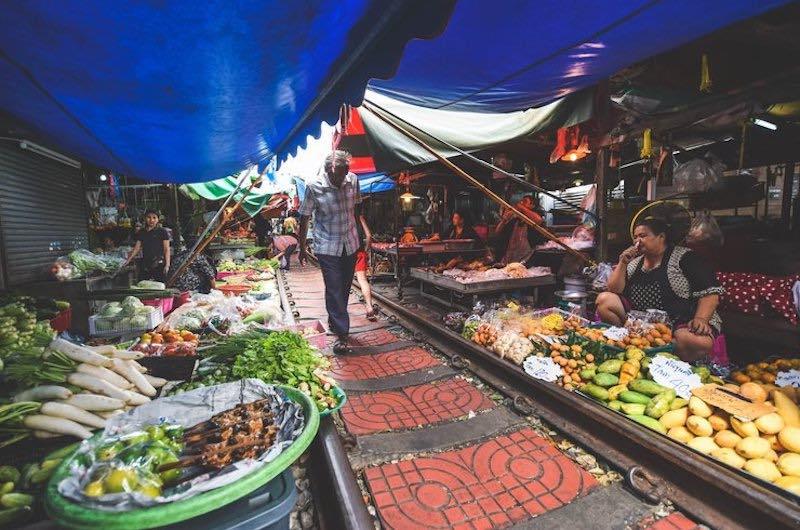 En el mercado del tren