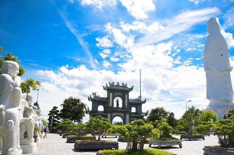 Viaje a Vietnam Camboya y Laos : la pagoda Linh Ung