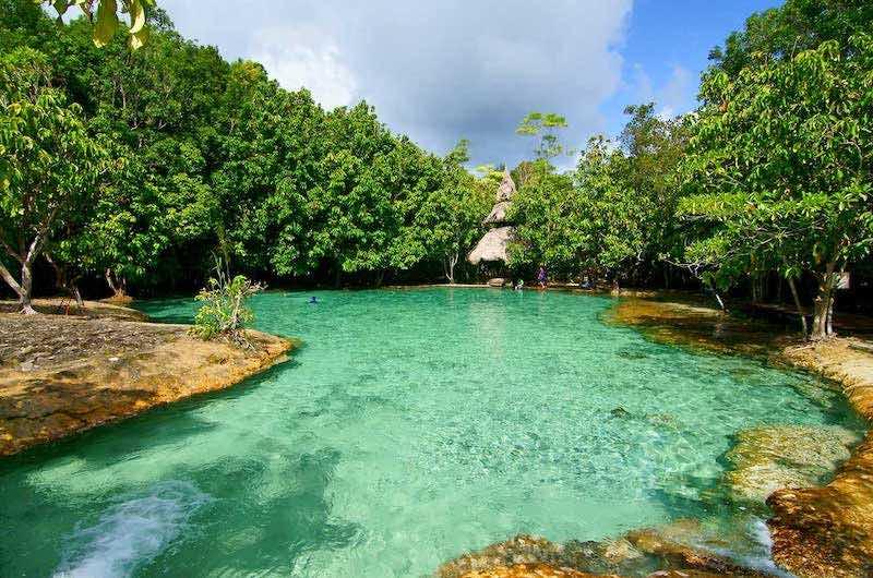 la piscina esmeralda
