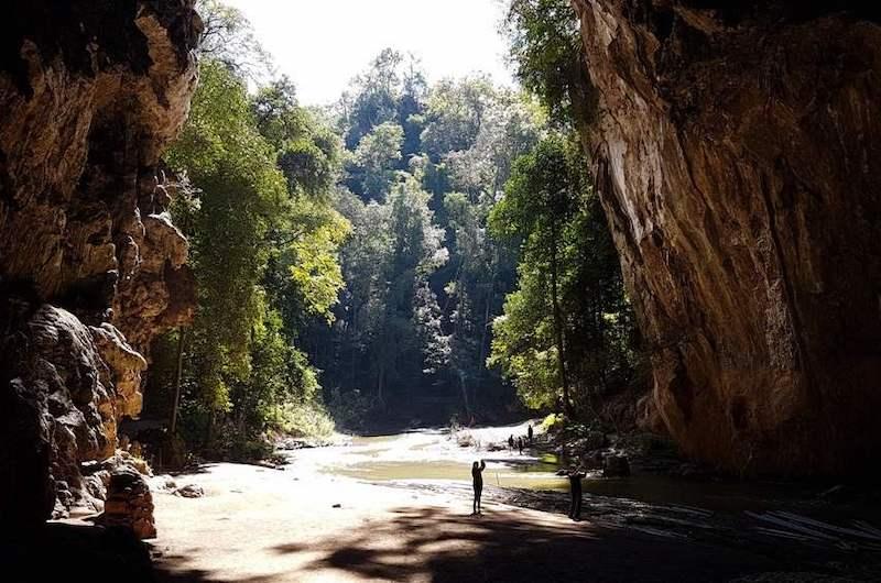 Cueva de Tham Lod en Mae Hong Son