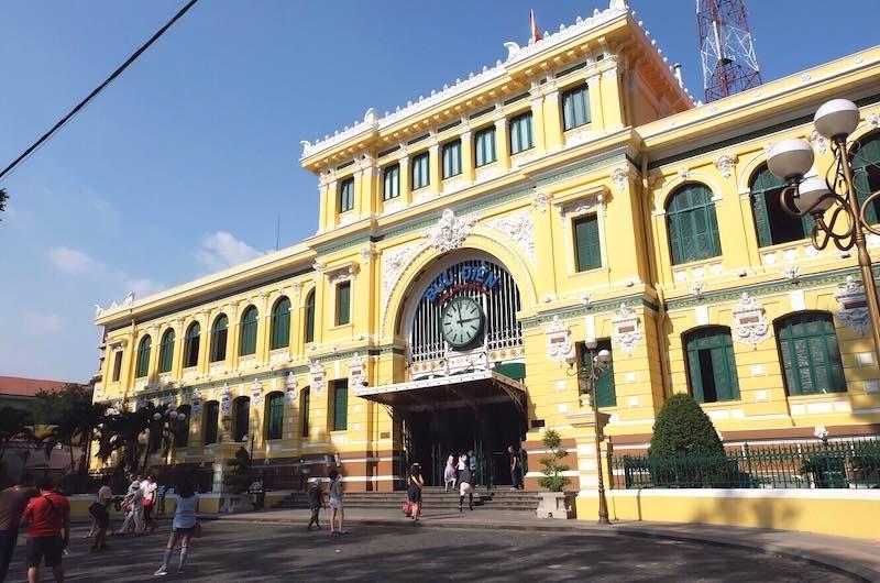 Que ver en el sur de Vietnam La oficina de Correos