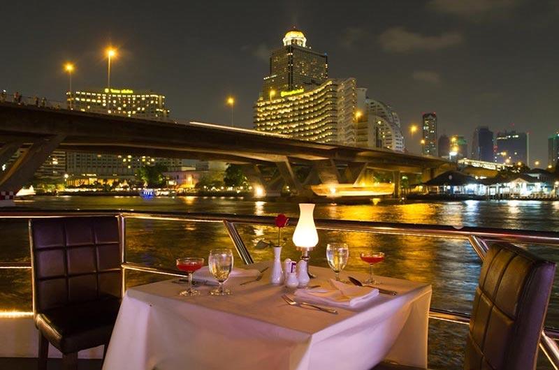 Cena Crucero por el Rio Phraya