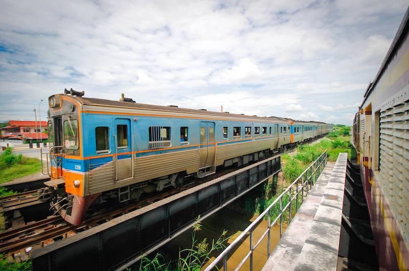 En Tren desde Bangkok a Ayuthaya