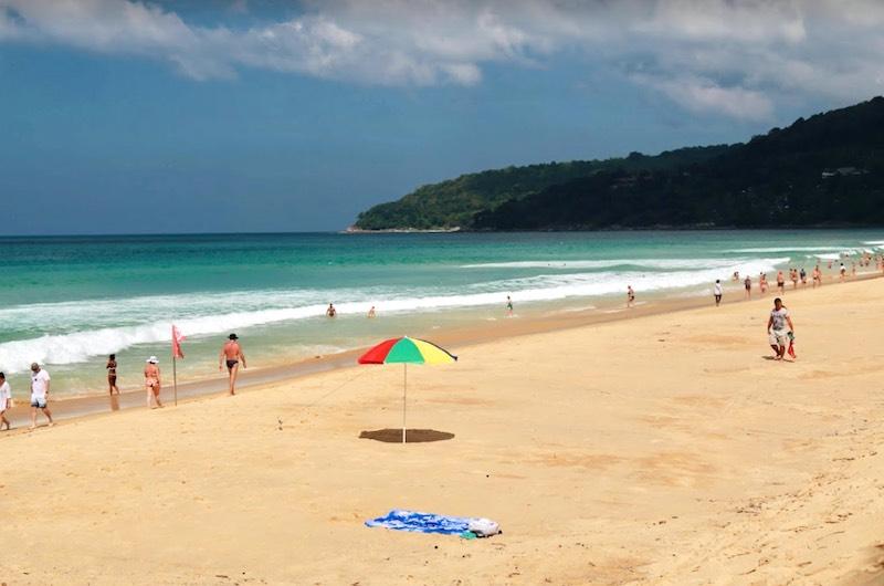 La playa de Karon
